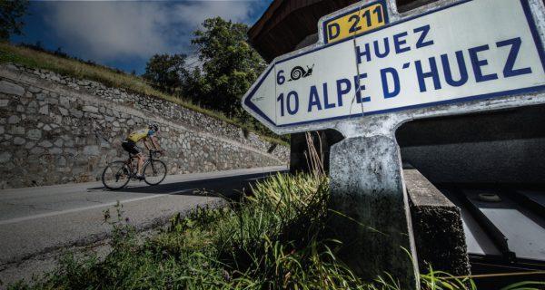 Alpe d'Huez road sign