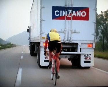 Cyclist drafting lorry